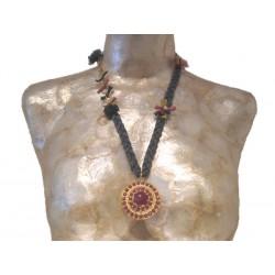 Natural Silk Medallion Round Necklace